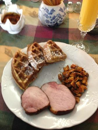 Artist's Inn and Gallery: Day 2 breakfast Course 3 Ham, sweet potato home fries, lemon poppyseed wafles, warm maple syrup