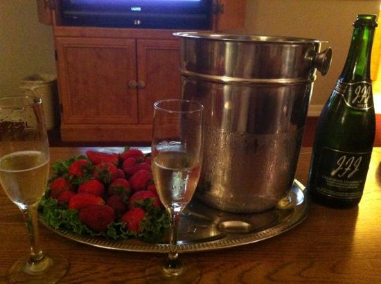 Lamp Liter Inn: champagne and strawberries, on our wedding night, and end to a perfect day, at the Lamp Liter In