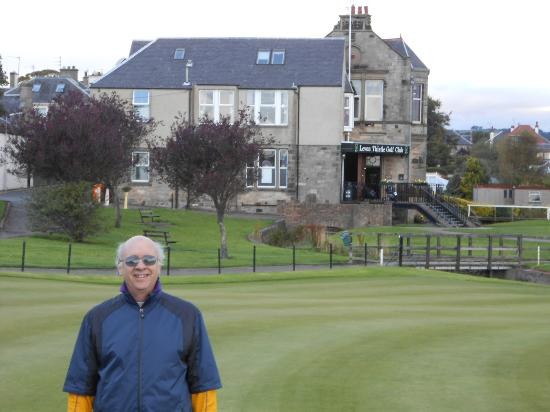 Dunclutha Guest House: Leven Links provided golf, good cheer and great food too!