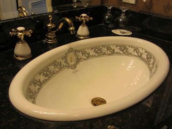 Le Pavillon Hotel: Personalized Le Pavillon sinks. Pretty special.