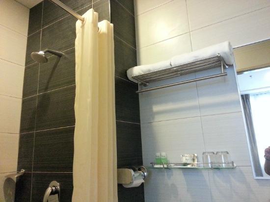 Baguss City Hotel: Towel