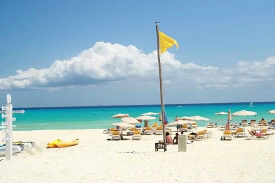 Iberostar Quetzal Playacar: Beach