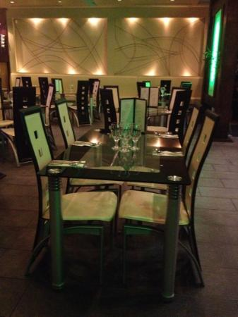 Green Papaya: Beautiful Romantic Ambiance