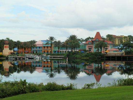 Disney's Caribbean Beach Resort: View from path