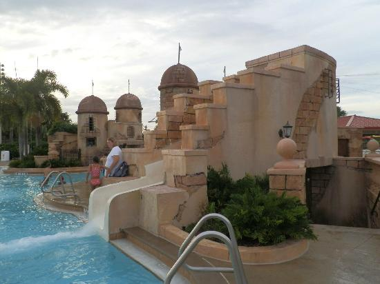 Disney's Caribbean Beach Resort: Main pool slide