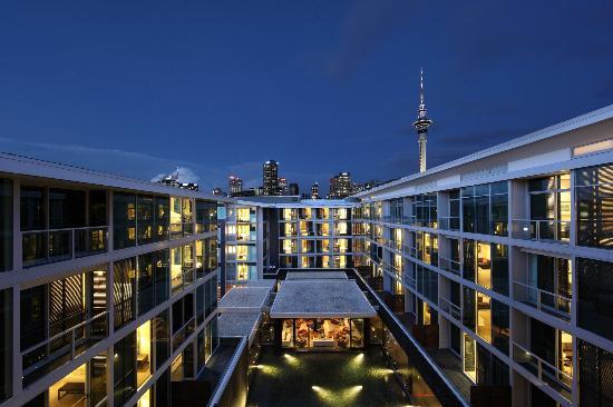 Sofitel Auckland Viaduct Harbour: Hotel exterior