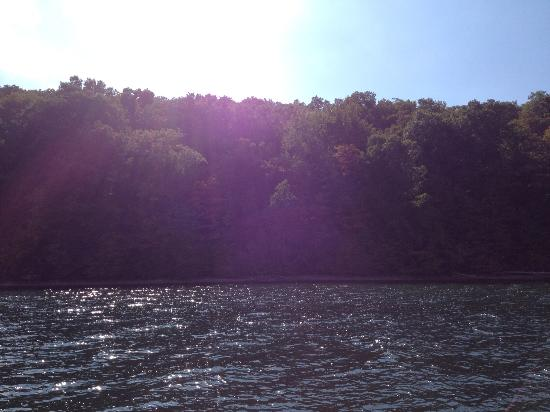 Otisco Lake Campgrounds: The lake on a sunny day