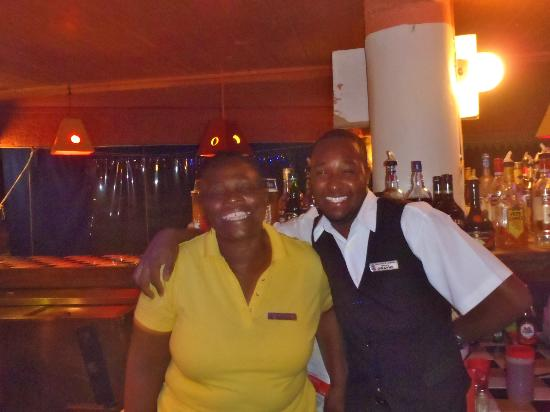 Legends Beach Hotel: Bar and kitchen staff in bar area