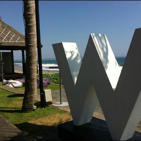 W Bali - Seminyak: That little nook on the corner was where we enjoyed our yummy lunch and the rest of the afternoo