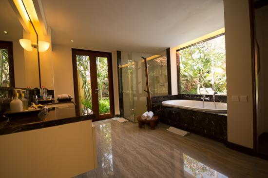 Villa de daun: One bedroom pool villa - Bathroom