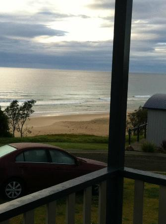 Surfbeach Holiday Park: Oulook from deck - Luxury Paradise Cabin No 1