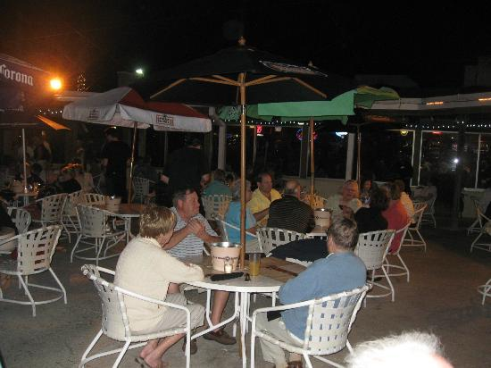 Sunset Grill at Little Harbor : Great outdoor dining