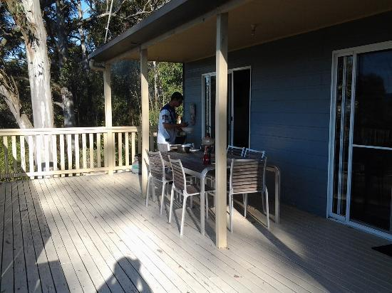 Hillside Kangaroo Valley: Bbq and seating area.
