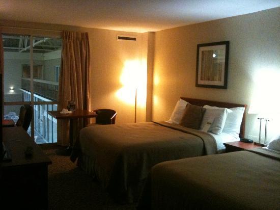 Clarion Hotel & Suites : ...