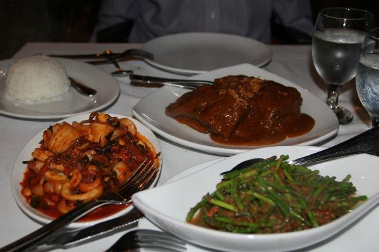 Kerabu Pucuk Paku Daging Salai. Wild fern salad with char-grilled beef ...