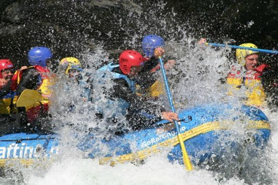 Hollandsk Gjestehus: Rafting in the river Sjoa