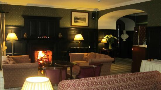 Bunchrew House Hotel: The Lounge