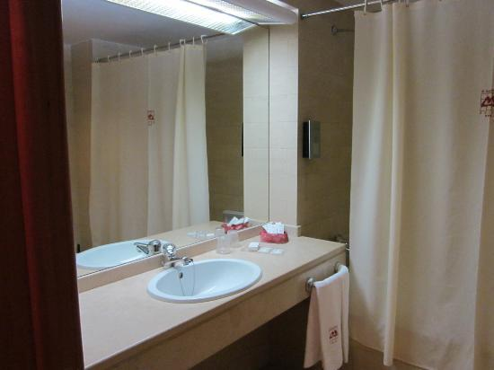 Hotel Miracorgo : particolare del bagno