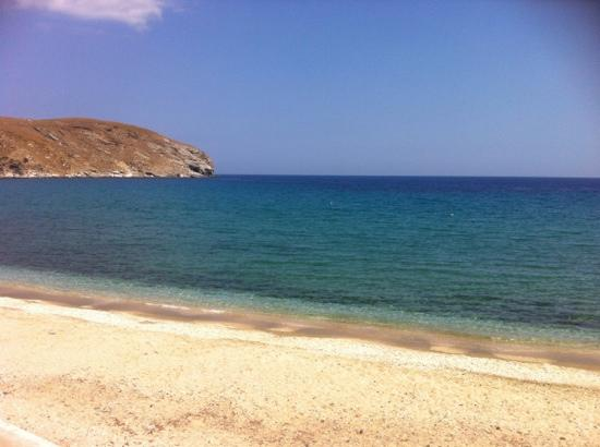 بورتو رافاييل: aan een strand op Tinos �� 