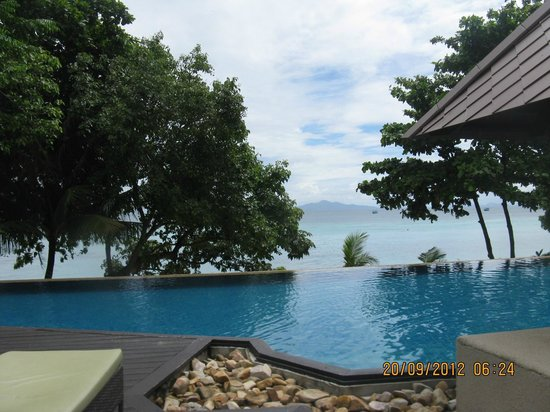 Holiday Inn Resort Phi Phi Island: infinity pool amazing view