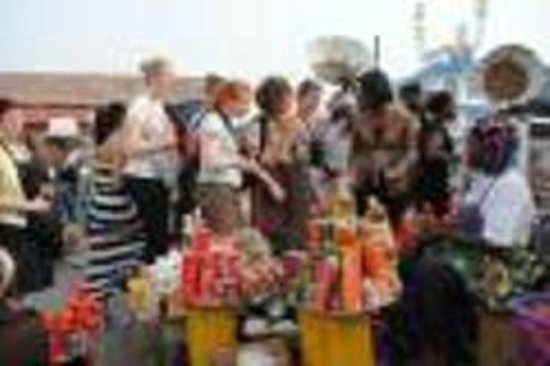Accra Urban Adventures: Experience the typical Ghanaian market