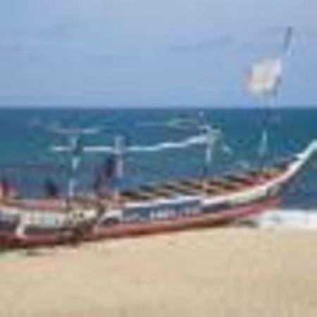 Accra Urban Adventures: Jametown beach of Accra