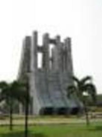 Accra Urban Adventures: Architectural buildings of Accra