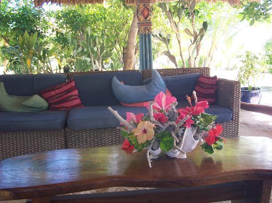 Navutu Stars Fiji Hotel & Resort: Lounge area in Cocktail Bar