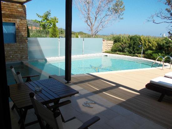 โรงแรมอเล็กซานดร้า โกลเด้นบูติค: Grand junior suite with plunge pool and swimming pool ..luxury!
