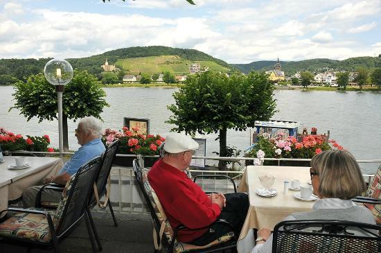 Hotel Rhein Residenz: Blick über den Rhein