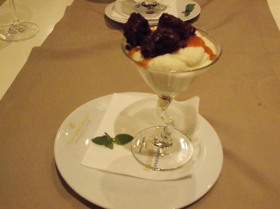 Alexandra Golden Boutique Hotel: desert ..mmm!