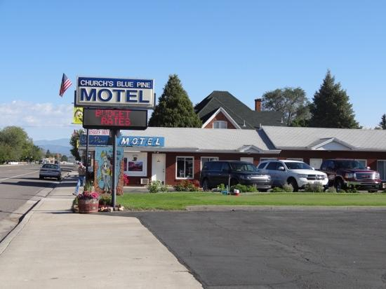 Church's Blue Pine Motel: Blue Pine Motel