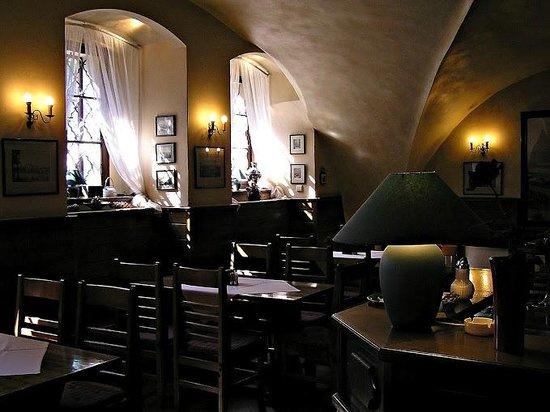 Restaurace U Labuti: Restaurant