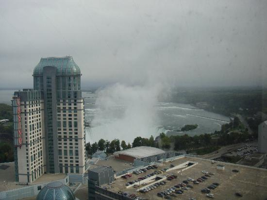 Hilton Niagara Falls/Fallsview Hotel & Suites: Horseshoe falls view from our room