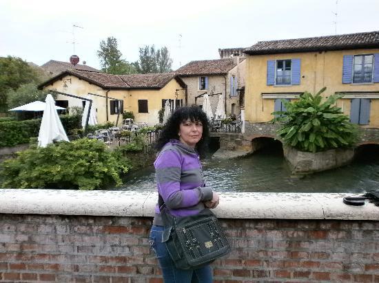 Borghetto, إيطاليا: ponte sul Mincio 