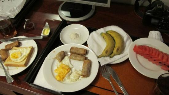 Golden Land Hotel: breakfast - better just order fruits
