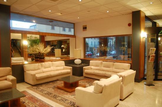Minerva Hotel: Lobby
