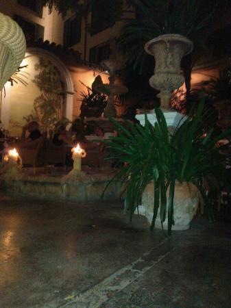 Abaco: Outside courtyard