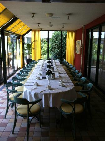 Hotel Restaurant Oud London : Groups eating area