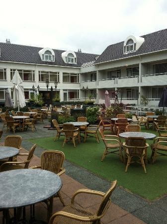 Hotel Restaurant Oud London : Patio