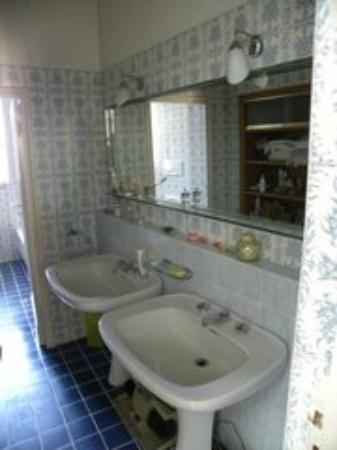 B&B Anfiteatro: Ampio bagno