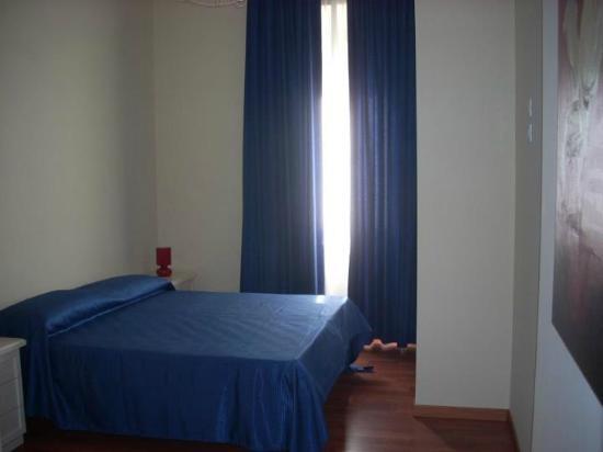 B&B Brilli: The BLue Room - Camera Blue