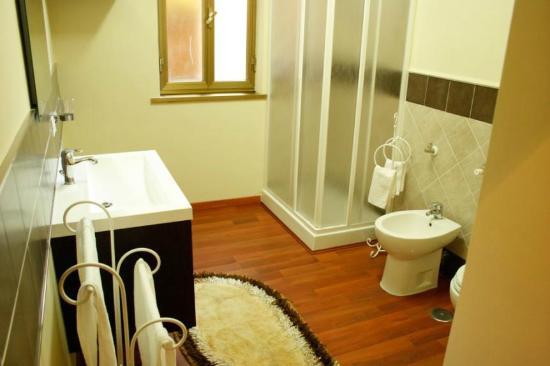 B&B Brilli: Blue Room bathroom