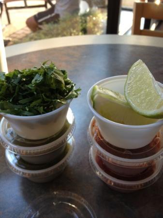 Fiesta Fresh Mexican Grill: salsa are good