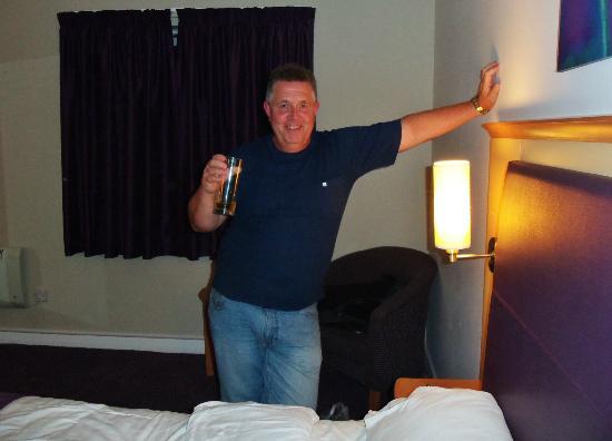 Premier Inn Southport Central Hotel: fab spacious room