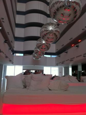 Hotel Su: la hall di giorno