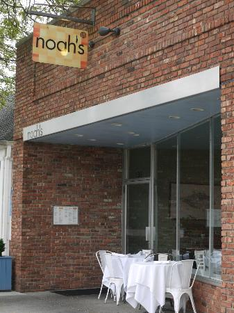 Noah's: Simple yet cosmopolitan... great food. Make a reservation.