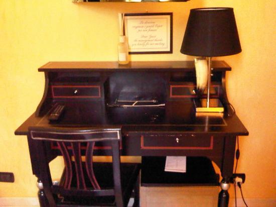 โรงแรมลิโด้: Scrittoio