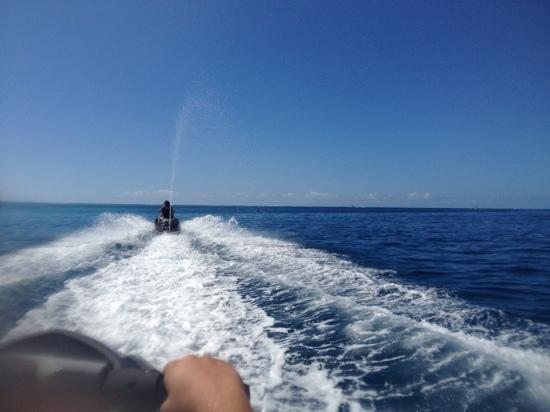 Tahiti Aventures : jet ski Tahiti