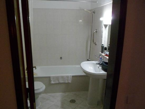 Apartamentos Kings: Bath Room -Tidy, Clean powerful Shower